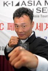 写真】池仁珍「拳でK-1を制覇」...
