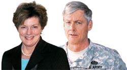 スティーブンス駐韓米国大使(左)、シャープ韓米連合司令官(在韓米軍司令官)。