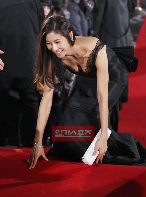 31日、ソウル・汝矣島のKBS新館公開ホールで開かれたKBS演技大賞授賞式に参加したハン・ウンジョン。