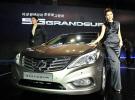 国産高級車の代名詞、現代(ヒョンデ)自動車の「グレンジャー」のニューモデルが13日に登場した。
