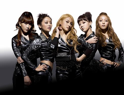 28日に韓国で初めて公開された日本ドラマ「URAKARA」の放送が成功裏に終わったKARA。