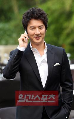 3月25日に挙式を行う俳優チョン・ジュノ。
