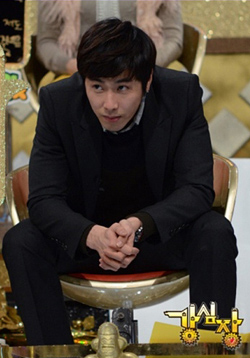 15日に放送されたSBS「強心臓」で見栄が暴露された東方神起のメンバー、ユンホ。