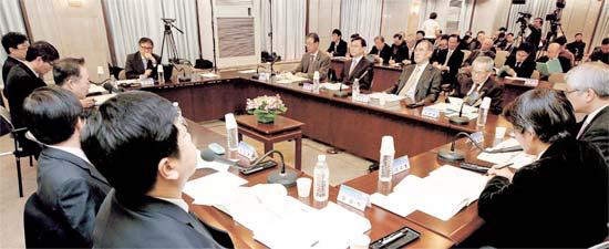 NEAR財団が16日、ソウル韓国プレスセンターで「東アジア時代、韓国の新外交安保戦略」をテーマに討論会を開いた。