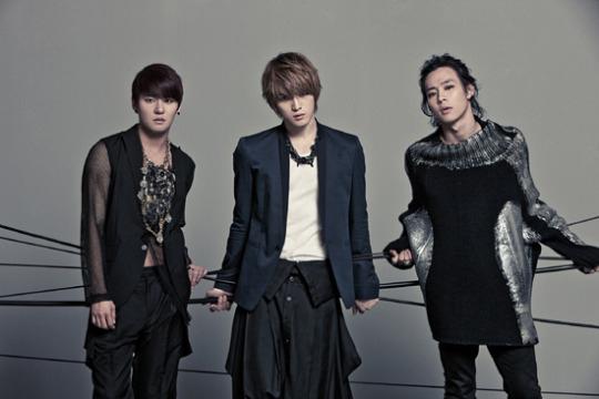 17日、SMエンターテインメントがJYJを相手取り起こしていた専属契約効力停止仮処分への異議申し立てが棄却された。