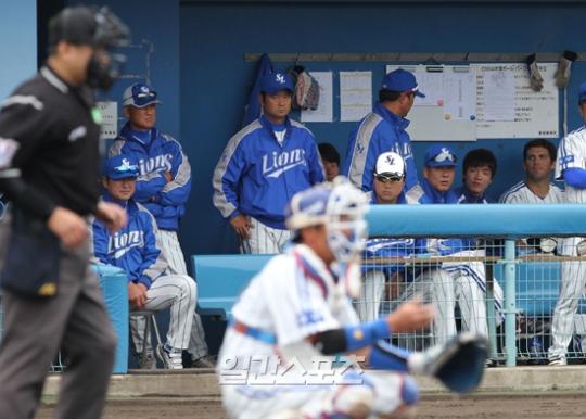 三星ライオンズが24日、日本・沖縄で行われた日本ハムとの練習試合でノーヒットノーランの完敗(0-7)を喫した。