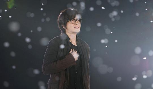 14日午前、公式ホームページを通じて被災者に慰労メッセージを伝えた俳優ペ・ヨンジュン。