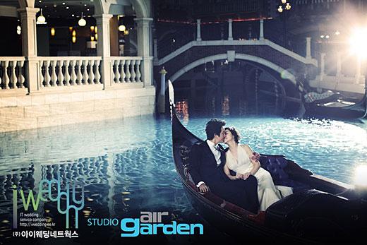マカオで撮ったウェディング写真を24日に公開したチョン・ジュノとイ・ハジョンのカップル。