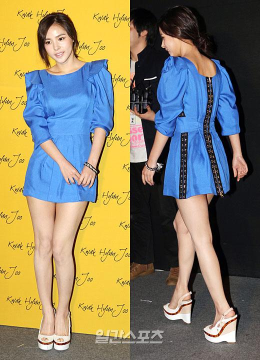 ソウルファッションウィークが開かれたソウル貿易展示場ファッションショーでポーズを取っているミン・ヒョリン。
