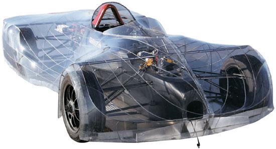 米カンザスシティー・ドラサレ高校の生徒がブリヂストンの支援を受けて昨年8月に製作したF1スタイルの電気自動車。