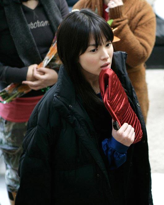 撮影場で撮られたと推定される女優ソン・へギョの姿(写真=インターネット掲示板)。