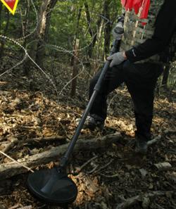北朝鮮当局は最近、住民の北朝鮮脱出を防ぐため照明地雷を埋設している。