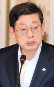 金滉植・国務総理。