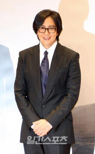 ドラマ「ドリームハイ」DVD発売記念イベントに参加するために9カ月ぶりに日本を公式訪問したペ・ヨンジュン。