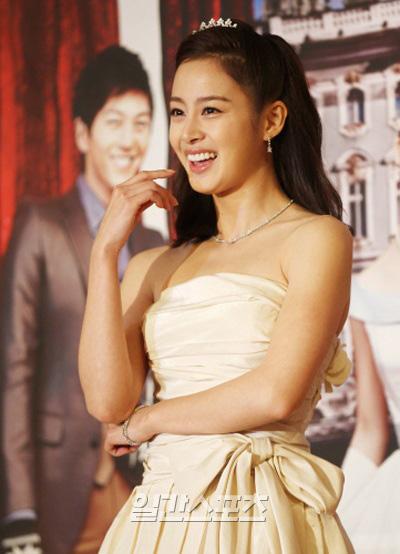 日本に進出した女優キム・テヒ。