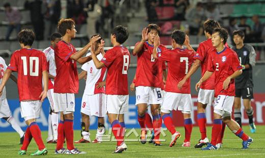 21日、昌原(チャンウォン)サッカーセンターで行われた2012年ロンドンオリンピック(五輪)アジア最終予選A組第1戦の韓国-オマーン戦で、2-0で韓国が勝利した。