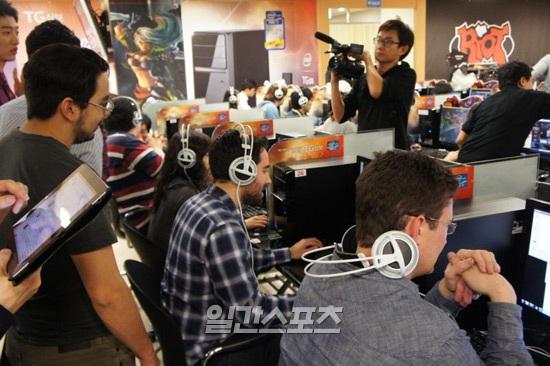 韓国ゲーマーが海外有名ゲーム企業を国内に呼び込んでいる。