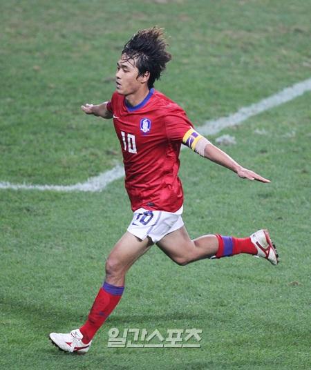 ポーランド戦で2ゴールを決めた韓国代表の主将・朴主永(パク・ジュヨン、26、アーセナル)