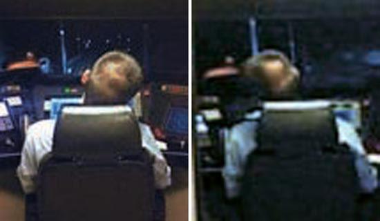 4日夜、中国福建省廈門から浙江省温州に向かう高速列車の運転士が運転中にウトウトしている場面が乗客の携帯電話カメラで撮影された(写真=微博ウェブサイト)。