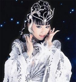 日本の世界的な女性マジシャンのプリンセス天功さん。