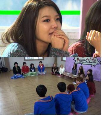 「男の子を生みたい」親子の愛情を見て告白する少女時代のユナ(JTBCキャプチャー)。