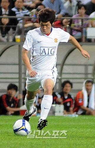 プロサッカー選手の朴智星(パク・チソン、31、マンチェスター・ユナイテッド)。