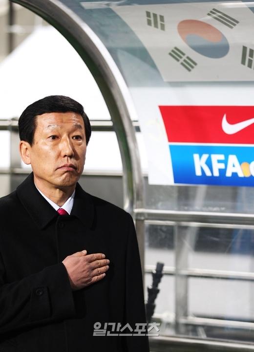 韓国W杯サッカー代表チームのチェ・ガンヒ監督。