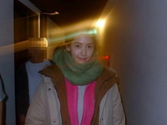 光を放つユナの美貌。