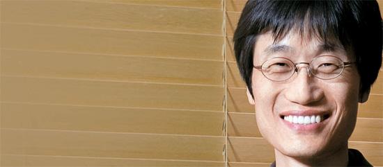 李海珍(イ・ヘジン)NHN取締役会議長は「昨年の東日本大震災当時、日本国民のコミュニケーション場面を見て'ネイバーライン'の開発に着手した」と述べた。