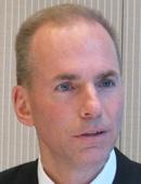 米ボーイングの国防・宇宙・安保部門経営総括社長デニス・ミュレンバーク氏。