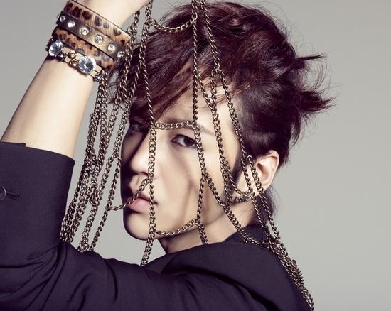 俳優チャン・グンソクの日本ファーストアルバム「Just Crazy」のポスター(写真=tree J company提供)。