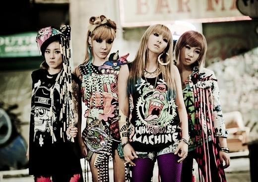 ガールズグループの2NE1(トゥエニィワン)。