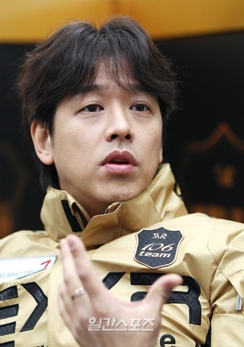 歌手兼俳優のリュ・シウォン。