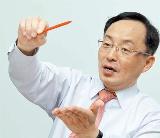 韓国航空隊航空宇宙および機械工学部のチャン・ヨングン教授。