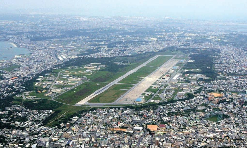 沖縄宜野湾市の中心部にある普天間米軍基地。