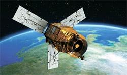 「アリラン3号」衛星の想像図。開いた翼3つは太陽電池パネル(写真=韓国航空宇宙研究院)。