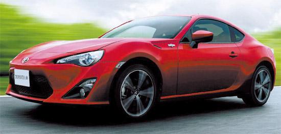 「2012釜山(プサン)国際モーターショー」(25日開幕)に登場する新車が自動車マニアをときめかせている。トヨタは後輪駆動スポーツカー「トヨタ86」を韓国で初めて公開する。先月日本で発表された「86」は、有名レーシング漫画「頭文字D」の主人公の愛車として登場した「AE86」の数字「86」にちなんで名づけられた(写真=韓国トヨタ自動車)。