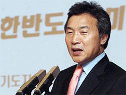 民主統合党の孫鶴圭(ソン・ハッキュ)常任顧問。
