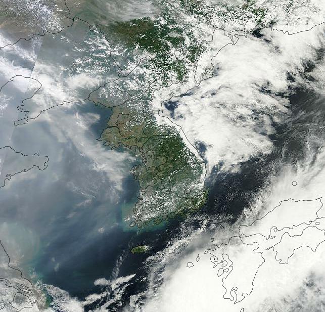韓半島の衛星写真(写真=オンラインコミュニティー)。