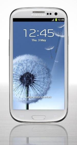 サムスン電子の新型スマートフォン「ギャラクシーS3」。