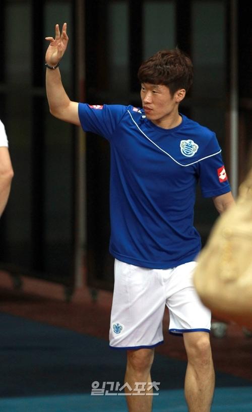 朴智星(パク・チソン、31、QPR)。