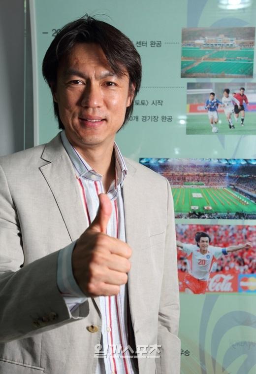 韓国五輪サッカー代表チームの洪明甫監督。