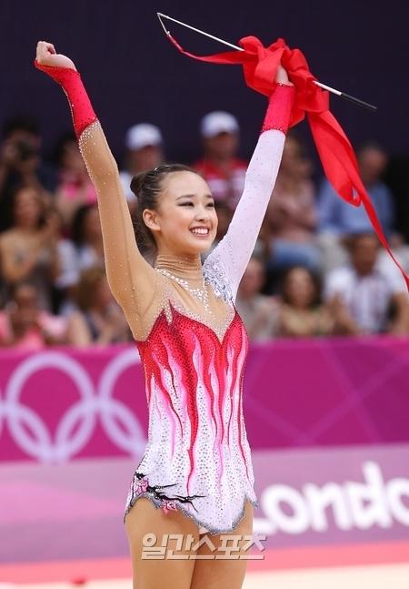 韓国を超えアジアのスターとして浮上する新体操のソン・ヨンジェ。