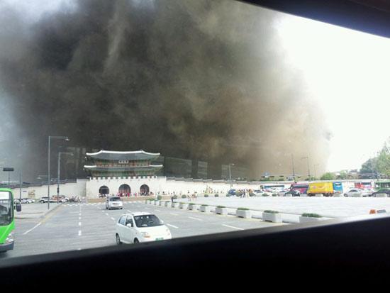 景福宮(キョンボックン)の近くにある国立現代美術館の工事現場で火事が発生した(写真=オンラインコミュニティ)。