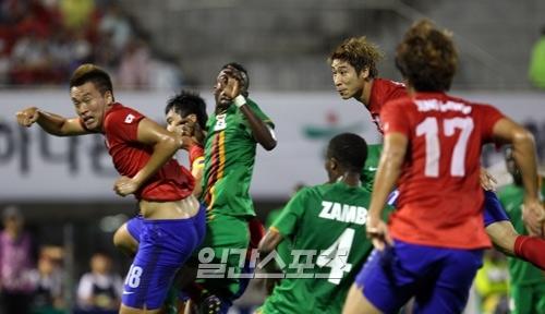 サッカー韓国代表は15日、ザンビアとの親善試合で2-1で勝利した。