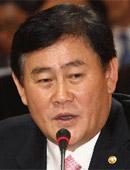 セヌリ党大統領選挙候補朴槿恵(パク・クンヘ)キャンプの総括本部長である崔ギョン煥(チェ・ギョンファン)議員。