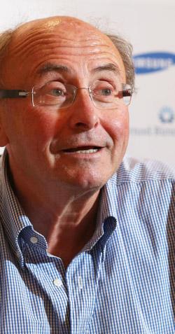現代社会のコミュニケーション問題を30年余りにわたり研究してきた仏国立科学研究センターコミュニケーション科学研究所のドミニク・ウォルトン所長。