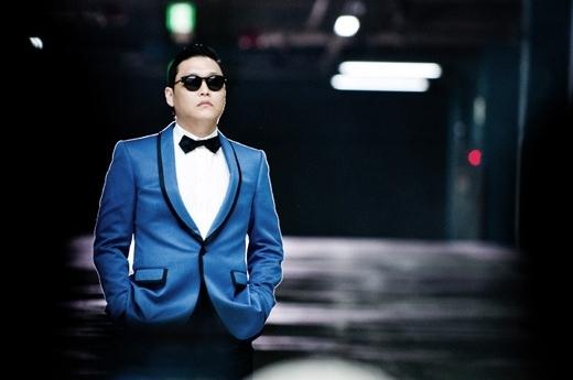 『江南(カンナム)スタイル』の歌手PSY(サイ)。