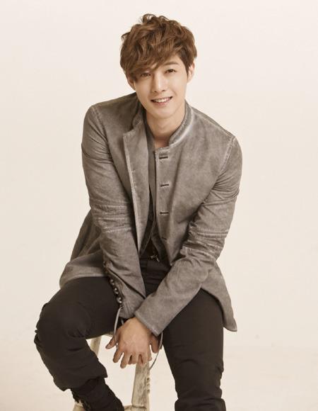 歌手で俳優のキム・ヒョンジュン(写真=キーイースト)。