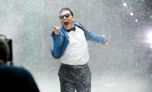 PSYがミュージックビデオでギネス記録を達成した。